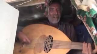 شاهد فنان يمني مغمور يغني لتعز أغنية النصر
