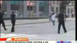 Hombre afroamericano es asesinado por policías en la avenida Times Square de Nueva York