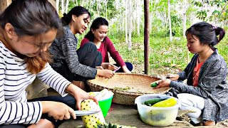Bersama Gadis Suku Dayak Buat Rujak Di Pondok    Petualangan Gadis Dayak