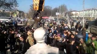 В Запорожье демонтируют памятник Дзержинскому (Часть 3)(, 2016-03-10T10:06:28.000Z)