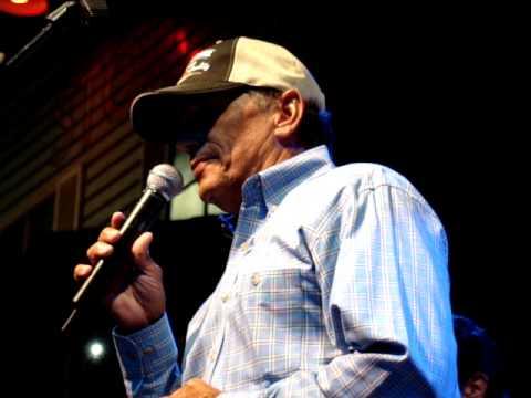 George Strait sings Troubador