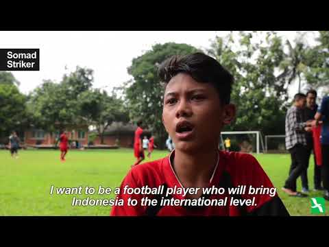Indonesian Slum Kids Have 'World Cup' Dreams