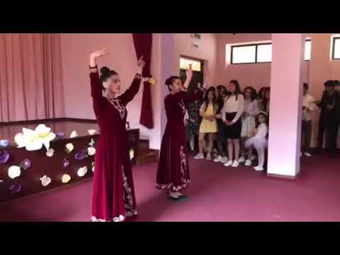 Танец армянский 11-г класс Праздник 7 апреля