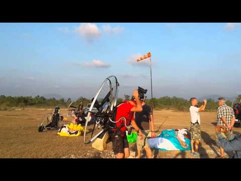 Skydance paramotorsport meets Rayong paramotor tijdens de Thailand tour 2014