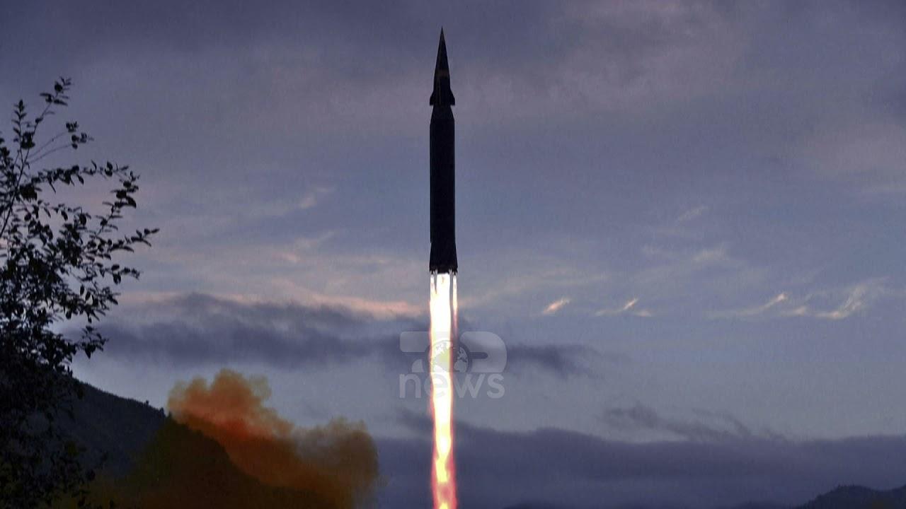 Download Top News- Teston dy raketa balistike / Koreja e Veriut 'mbjell' frikë, bien në ujërat pranë Japonisë