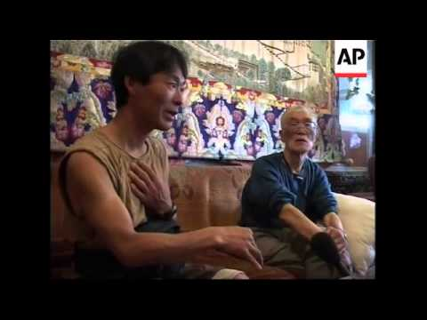71- year- old Japanese climber reportedly scales Everest