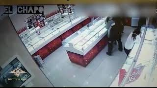 Jaf la bijuterie...prinsi dupa de politie