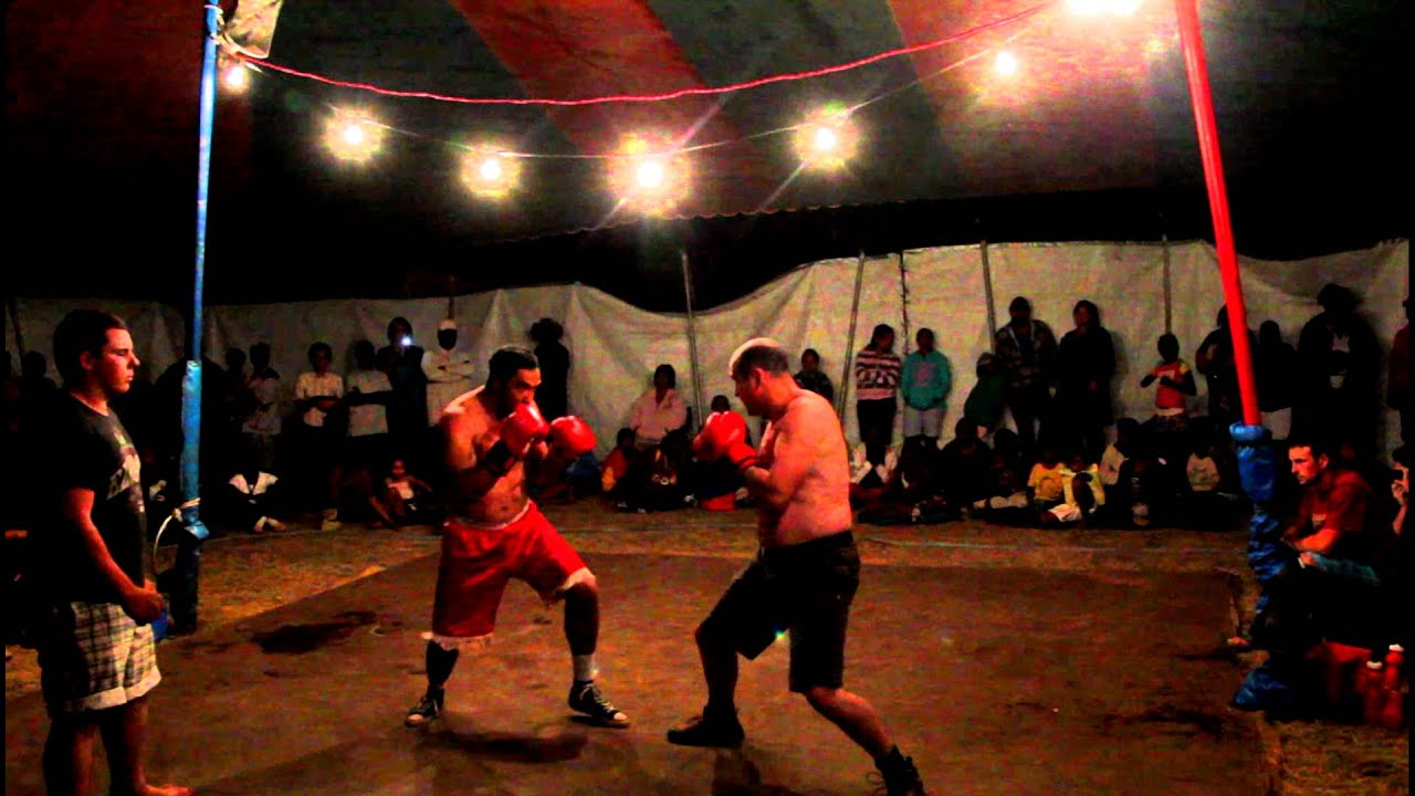 Willu0027s Tent Boxing Fight & Willu0027s Tent Boxing Fight - YouTube