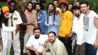 Watch Gondwana Sweat a La La La Long video