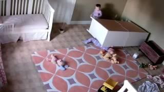 Two year old miraculously saves twin brother/Два года чудесным образом спасает брата полное видео