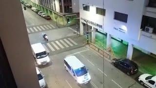 La Policía Local de Badajoz agradece con las sirenas a los ciudadanos que les aplauden