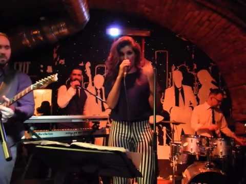 Garami Funky Staff - Kiss - Uptown Funk medley
