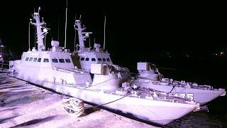 Зеленский встретил возвращённые Украине корабли