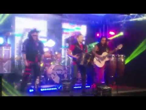 Grupo Siggno - Mi Mundo Se Acabo (El Show de Johnny y Nora Canales Behind the Scenes)