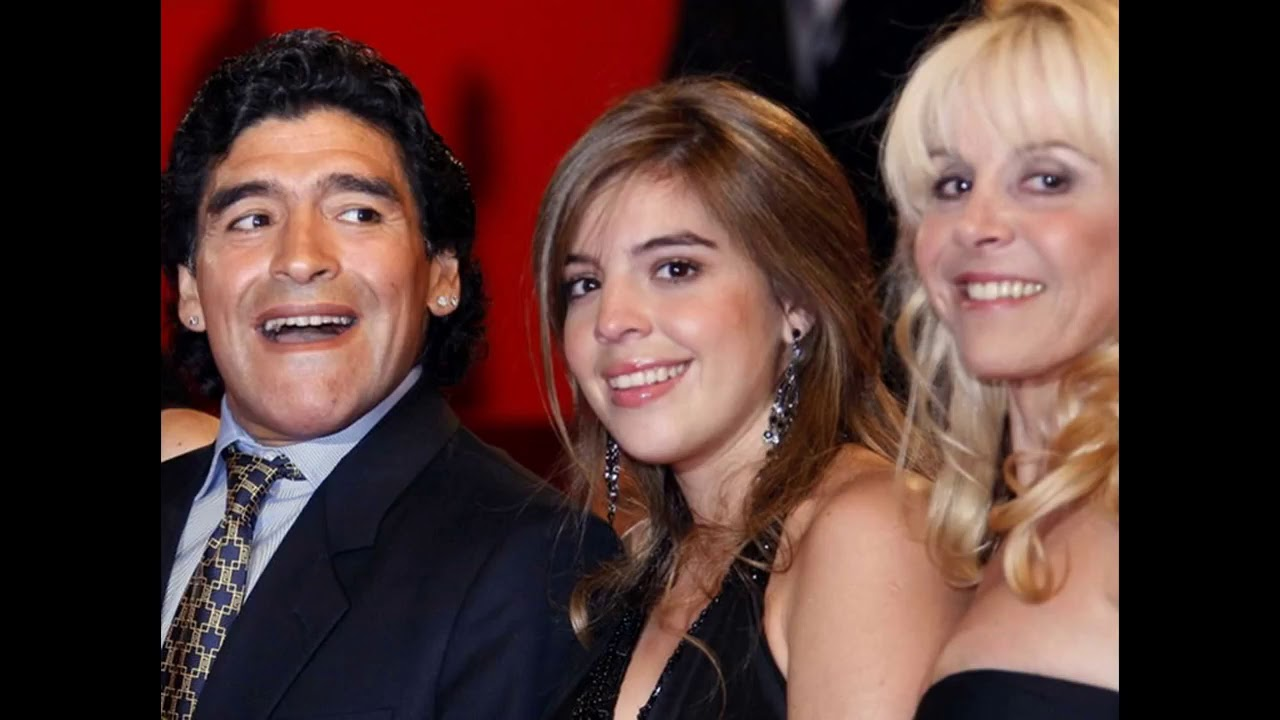Diego Maradona And His Wife Claudia Villafane And Their Daughters Youtube
