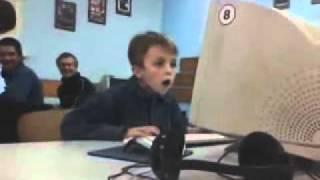 Мальчик впервые смотрит порно.avi