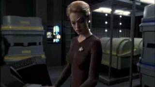 Star Trek Voyager - Seven Of Nine tapping.avi