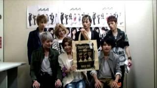 http://avex.jp/aaa/ 「AAA TOUR 2012 -777- TRIPLE SEVEN」 ツアーグッ...