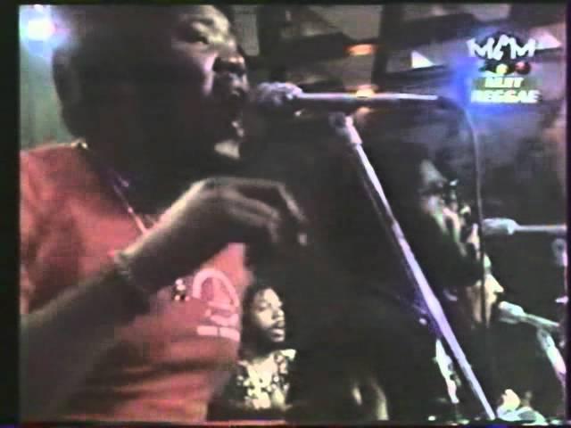peter-tosh-burial-1979-07-16-jazz-festival-montreux-switzerland-peter-tosh