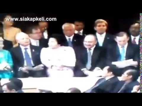 Rosmah Mansor Tolak Najib