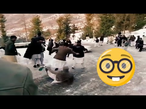 Malam Jabba Swat Snow,  Vehicles And People Sliding Hilarious   Pak Forum