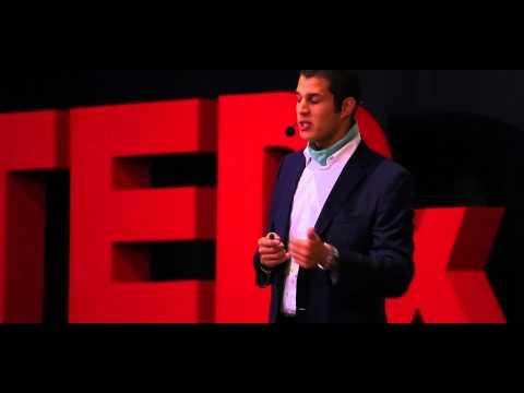 J'ai relié les 5 continents à la nage. | Hassan Baraka | TEDxUniversiapolis