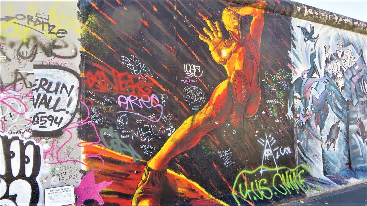 Berlin, Germany - Eastside Gallery (Berlin Wall) vandalized classic ...