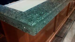 WorkFlix S1-E9 Crystal Bar Top with mirrors