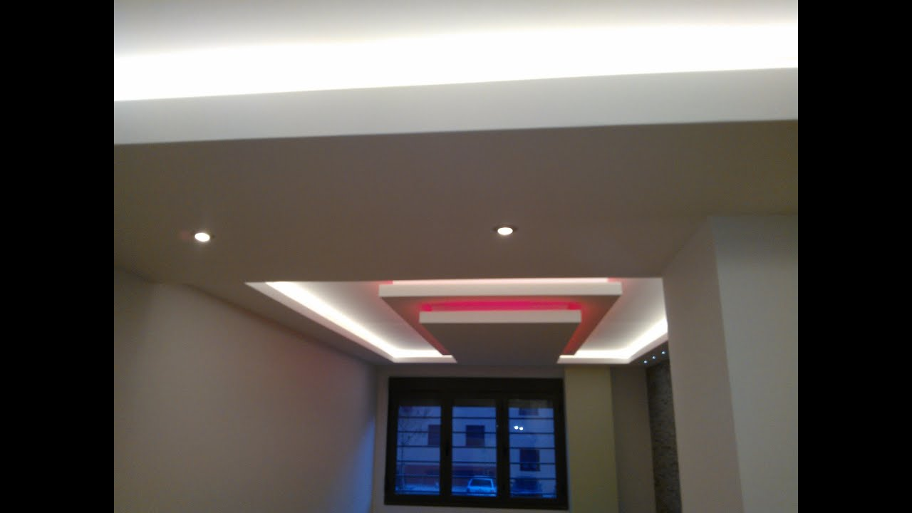 Falsos techos e iluminacion escondida led obras for Plafones de pared para salon