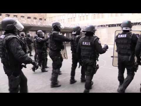 Reportage au sein des Equipes Régionales d'Intervention et de Sécurité (ERIS)