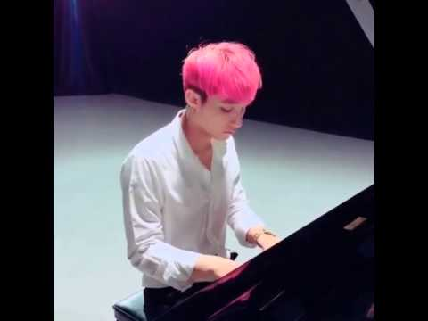 Sơn Tùng Đàn Piano Cực Đỉnh : hit mới: buông đôi tay nhau ra