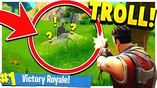 HILARIOUS Pyramid GLITCH! - Fortnite: Battle Royale
