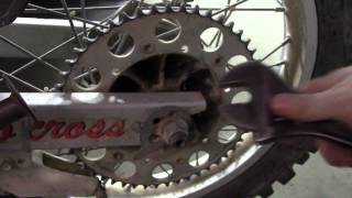 how to remove a rear wheel off a dirt bike step by step