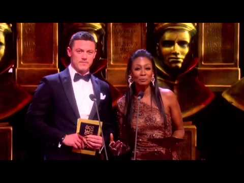 Olivier Awards2016 Best actor and actress in a musical-Presenter: Luke Evans,Beverley Knight