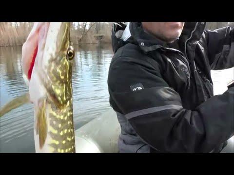 Рыбалка на каналах в марте