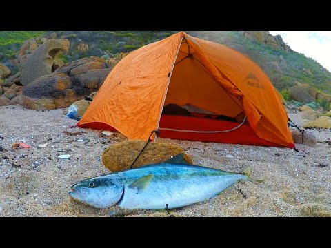 ISOLATED CAMP OUT Kingfish For Dinner At A Secluded Cove