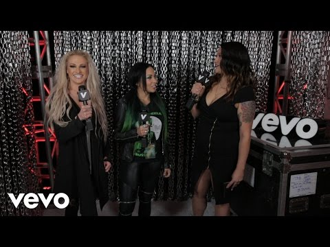 Butcher Babies - Hair, nails, t-shirts and being badasses (Rock On The Range)