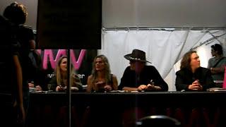 2009年9月5日、伊豆メタモルフォーゼのイベント会場内HMVブースにて...
