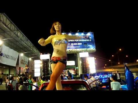 Karaoke girls sexy show   Sexy Thai Girl Dance so HoT 2017