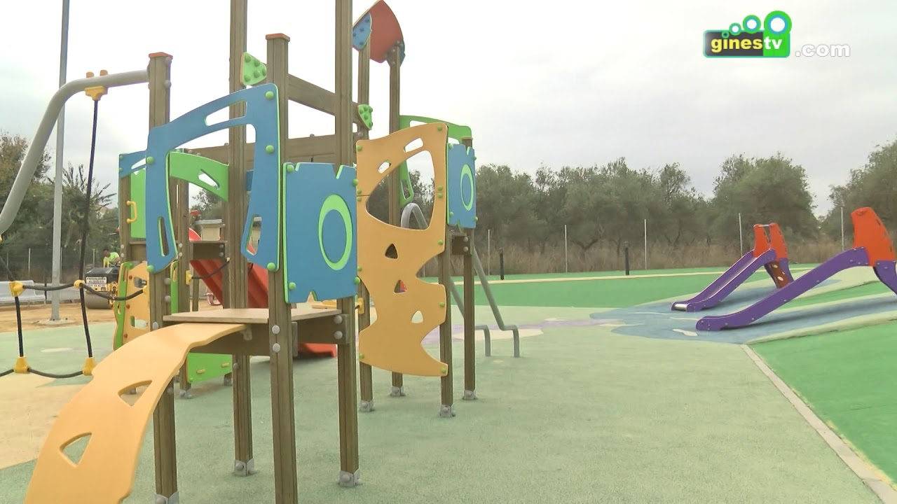 Césped artificial para el entorno de los juegos infantiles del Parque Manolo Pérez