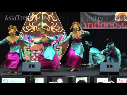 Zapin Dance - from Riau islands - Festival Indonesia 2015