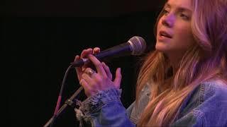 Danielle Bradbery - Worth It (98.7 THE BULL)