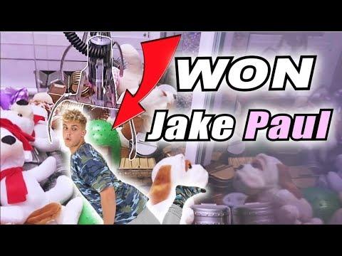 WINNING JAKE PAUL FROM THE CLAW MACHINE!!!!