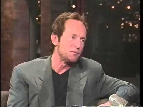Lance Henriksen with David Letterman in Late Show S04E154