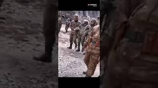 中國邊防軍護送印度軍人回印度,聽說還為他們治好了近視?這種國際主義精神令人暖心!希望世界都和平。