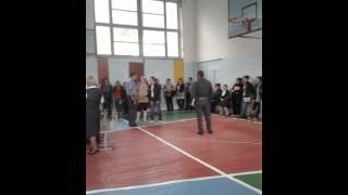 Собрание в СШ№1 г.Кара-Балта, на котором выводили несогласных...