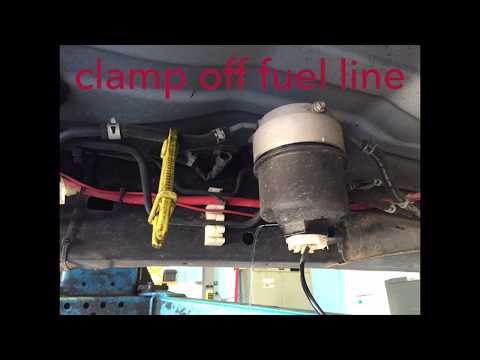 Isuzu D-MAX Diesel Fuel Filter Replacement 2011