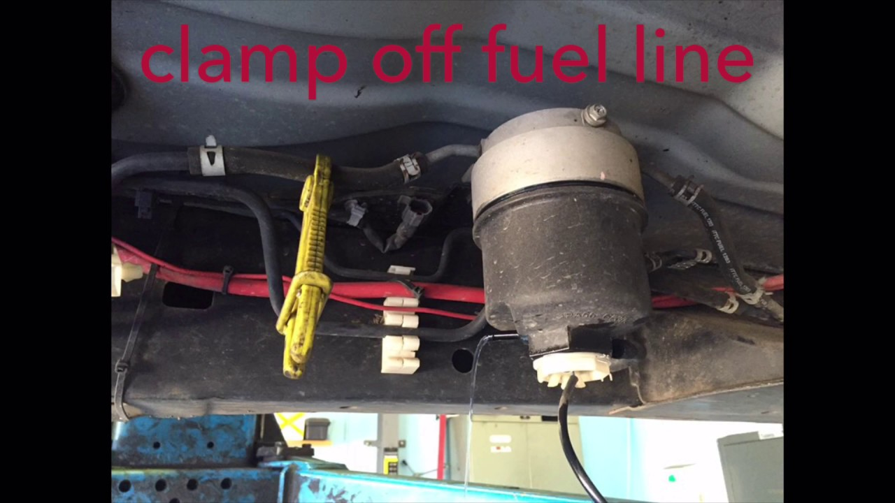 Isuzu D Max Diesel Fuel Filter Replacement 2011 Youtube