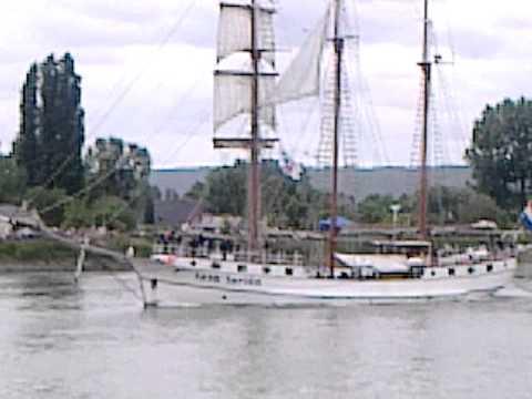 Download L'armada s'en va vers Honfleur