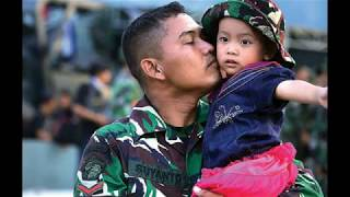 Download lagu Momen-Momen Mengharukan Prajurit TNI dengan Keluarga